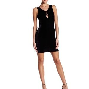 Wild Pearl Black Velvet Bodycon Dress